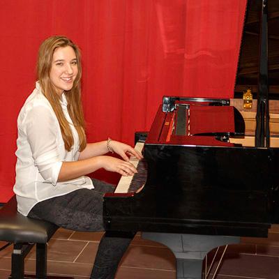 1. Preis Klavier solo Regionalwettbewerb Julia Dendl